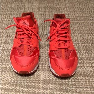 Red Nike Air Huarache